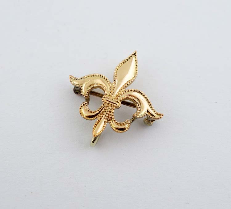 Ladies 10K Gold Fleur-de-lis Pocketwatch Lapel Pin