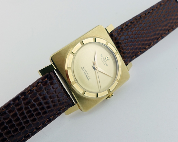 Universal Genève Solid 18K Gold Automatic